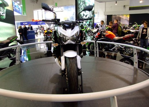 Kawasaki Z800 depotenziata a 35 kW per neopatentati - Foto 8 di 36