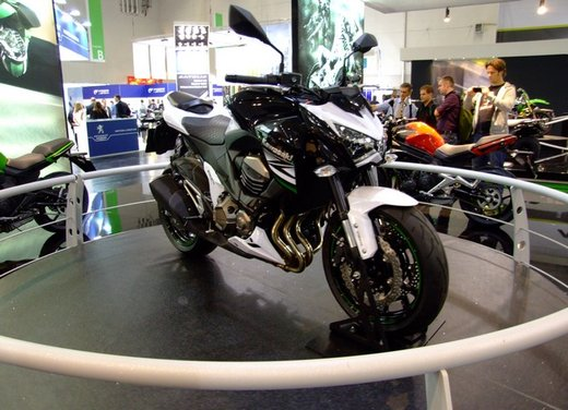 Kawasaki Z800 depotenziata a 35 kW per neopatentati - Foto 9 di 36