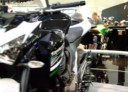 Kawasaki Z800 depotenziata a 35 kW per neopatentati - Foto 5 di 36