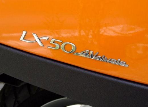 Vespa LX 50 4valvole – Test ride - Foto 19 di 23