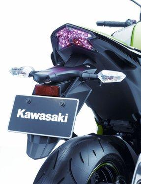 Kawasaki Z800 depotenziata a 35 kW per neopatentati - Foto 36 di 36