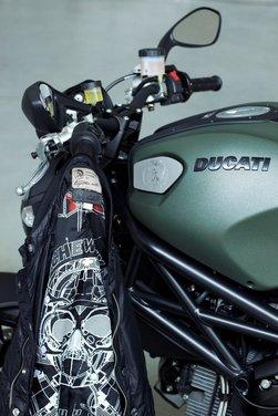 Ducati Monster Diesel nei Ducati Store - Foto 37 di 38