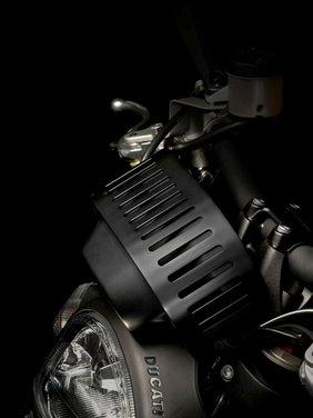 Ducati Monster Diesel nei Ducati Store - Foto 19 di 38