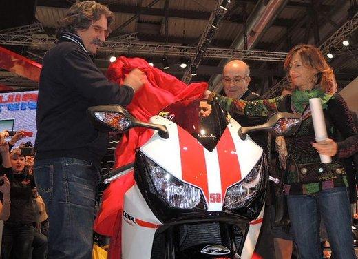 Ezpeleta riconsegna la CBR1000RR Supersic alla famiglia Simoncelli