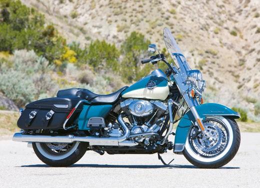 Harley Davidson FLHRC Road King Classic - Foto 2 di 7