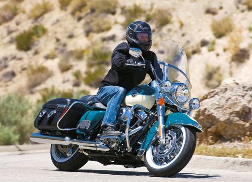 Harley Davidson FLHRC Road King Classic - Foto 6 di 7