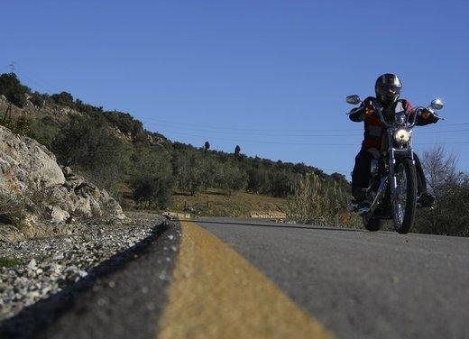 Harley Davidson Seventy-Two prova su strada della nuova Sportster - Foto 3 di 17