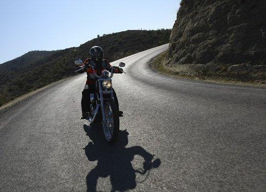 Harley Davidson Seventy-Two prova su strada della nuova Sportster - Foto 6 di 17