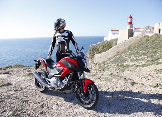 Honda NC700X: intelligenza e convenienza su due ruote