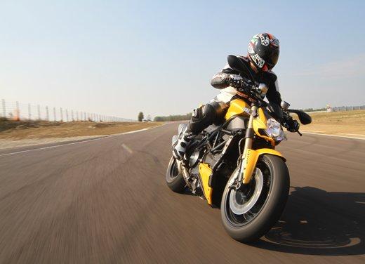 Provata la nuova Ducati Streetfighter 848 sul circuito di Modena - Foto 7 di 37