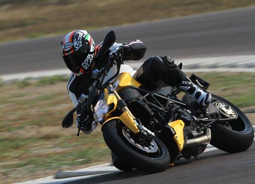 Provata la nuova Ducati Streetfighter 848 sul circuito di Modena - Foto 9 di 37
