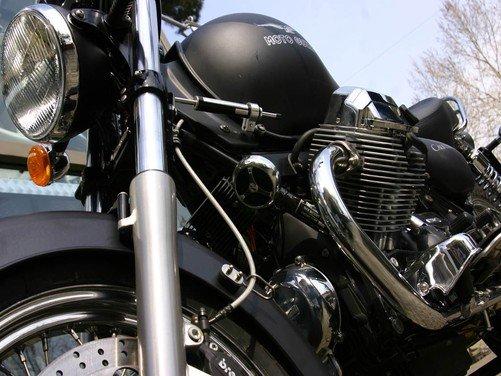 Moto Guzzi svela la futura California