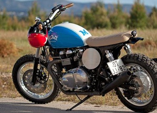 Triumph Thruxton Mightyblue by Maria Motorcycles - Foto 1 di 13