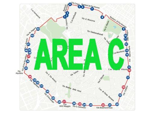 Area C libera per motocicli e ciclomotori - Foto 2 di 6
