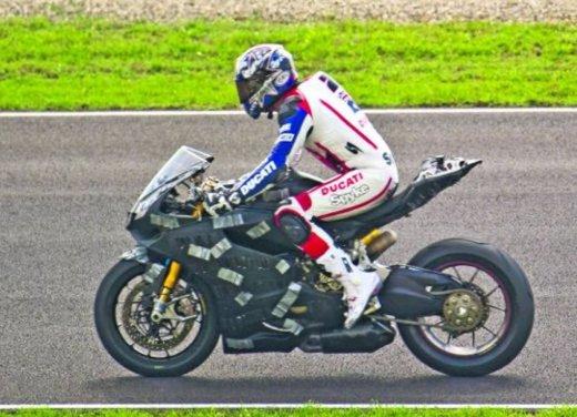 Ducati 1199 Panigale: foto spia della nuova superbike Ducati - Foto 13 di 13