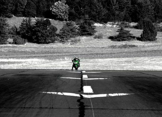 Kawasaki ZZR1400 - Foto 13 di 56