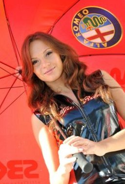 Umbrella girls al GP di Magny-Cours di SBK - Foto 8 di 13