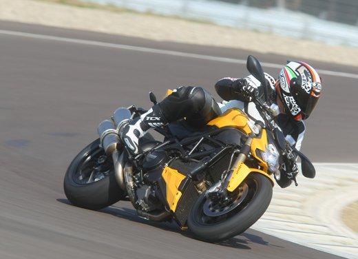 Provata la nuova Ducati Streetfighter 848 sul circuito di Modena - Foto 10 di 37