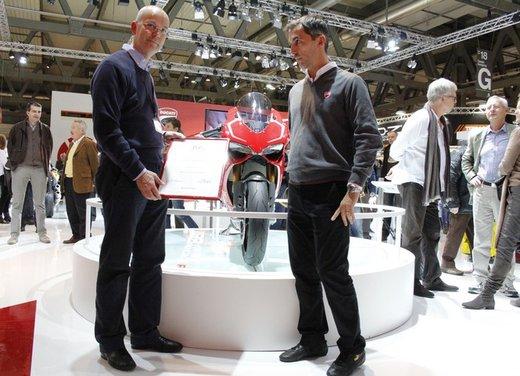 """Ducati 1199 Panigale riceve ad Eicma 2012 il premio """"Moto più Bella del Web 2013"""" - Foto 2 di 9"""