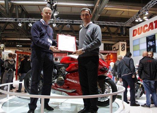 """Ducati 1199 Panigale riceve ad Eicma 2012 il premio """"Moto più Bella del Web 2013"""" - Foto 3 di 9"""