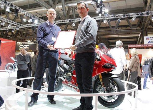 """Ducati 1199 Panigale riceve ad Eicma 2012 il premio """"Moto più Bella del Web 2013"""" - Foto 1 di 9"""