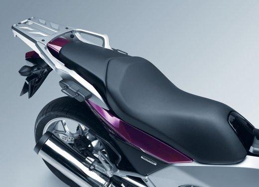 Honda Integra, compreso nel prezzo il bauletto per due caschi integrali - Foto 27 di 39