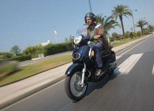 Aprilia Scarabeo 200 ie: prezzi, promozioni e novità dello scooter Aprilia - Foto 6 di 23