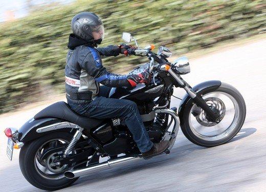 Triumph Speedmaster: prova su strada della cruiser equilibrata