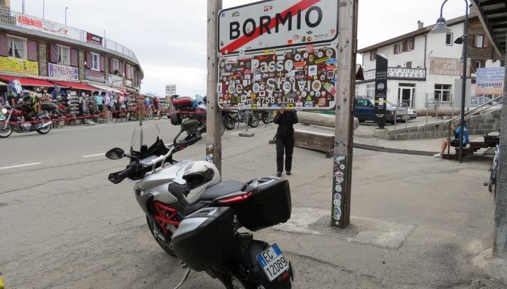 MV Agusta Turismo Veloce: la prova su strada - Foto 8 di 44