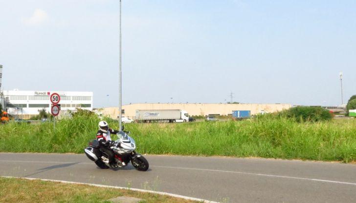 MV Agusta Turismo Veloce: la prova su strada - Foto 27 di 44