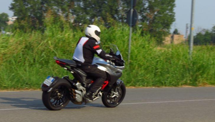MV Agusta Turismo Veloce: la prova su strada - Foto 41 di 44