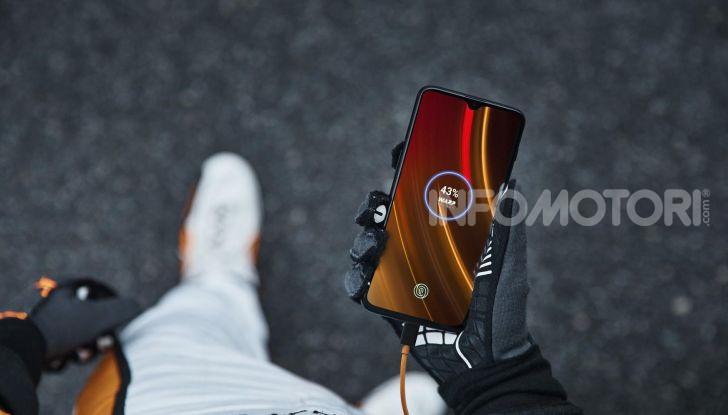 OnePlus 6T McLaren Edition, regalo per chi ama i motori - Foto 1 di 12