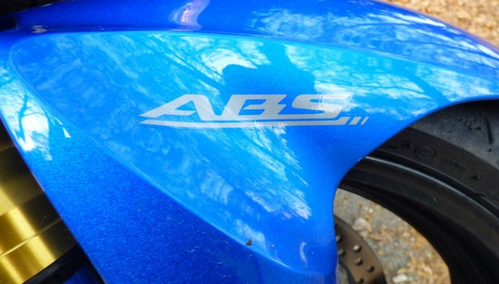 Suzuki GSX-S1000, la nostra prova: oltre il divertimento! - Foto 39 di 59