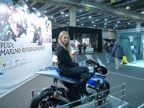 Tutte le più belle ragazze del Motor Bike Expo 2013 - Foto 12 di 16