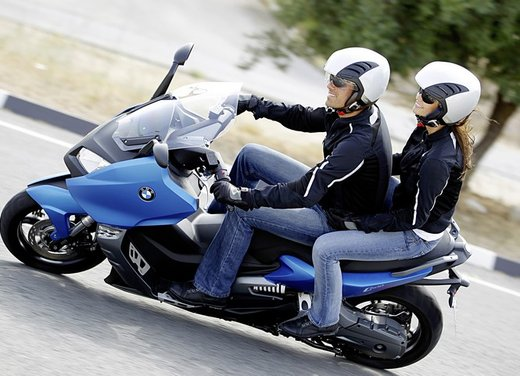 BMW C 600 Sport video ufficiale del maxi scooter sportivo BMW - Foto 45 di 81