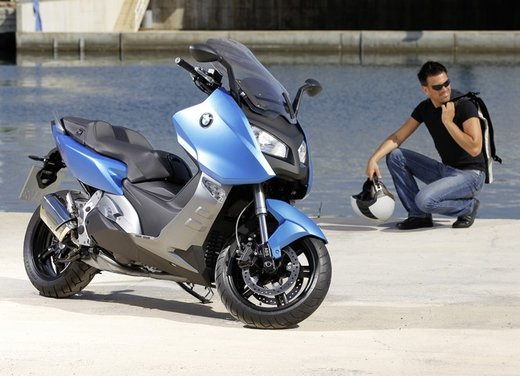 BMW C 600 Sport video ufficiale del maxi scooter sportivo BMW - Foto 68 di 81
