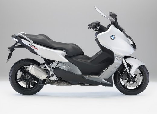 BMW C 600 Sport video ufficiale del maxi scooter sportivo BMW - Foto 14 di 81