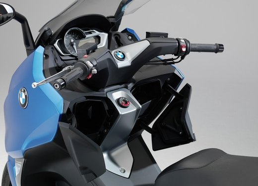 BMW C 600 Sport video ufficiale del maxi scooter sportivo BMW - Foto 24 di 81