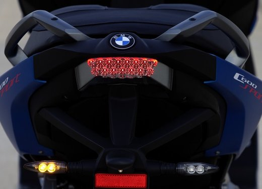 BMW C 600 Sport video ufficiale del maxi scooter sportivo BMW - Foto 52 di 81