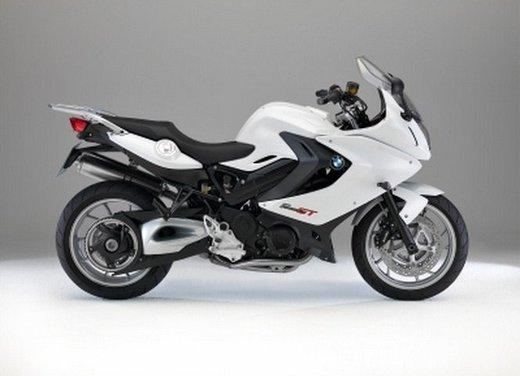 BMW Moto annuncia un nuovo modello boxer per il 2013 - Foto 4 di 9