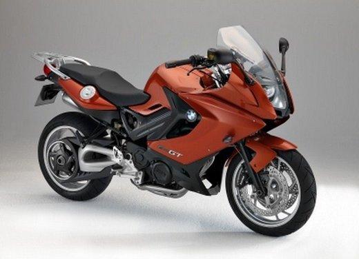 BMW Moto annuncia un nuovo modello boxer per il 2013 - Foto 6 di 9