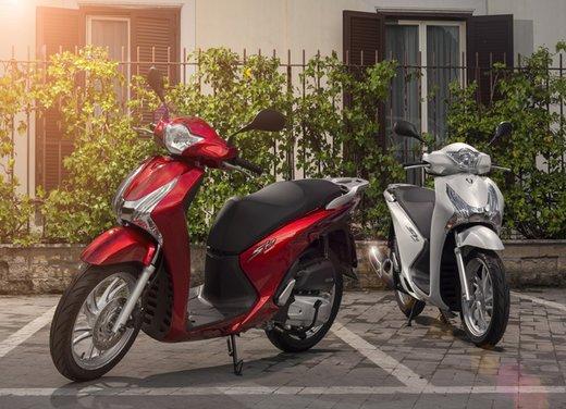 """Honda SH listino prezzi e caratteristiche dello scooter a """"ruote alte"""" Honda - Foto 11 di 33"""
