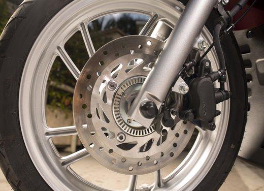 """Honda SH listino prezzi e caratteristiche dello scooter a """"ruote alte"""" Honda - Foto 16 di 33"""