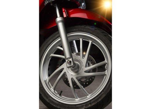 """Honda SH listino prezzi e caratteristiche dello scooter a """"ruote alte"""" Honda - Foto 31 di 33"""
