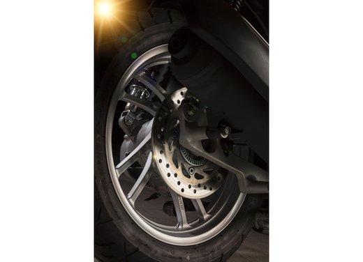 """Honda SH listino prezzi e caratteristiche dello scooter a """"ruote alte"""" Honda - Foto 32 di 33"""