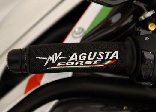 MV Agusta Brutale: leggerezza, stile, potenza e personalità - Foto 9 di 11