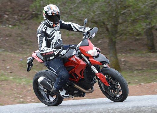 Nuova Ducati Hypermotard e Hypermotard SP prova su strada - Foto 9 di 35