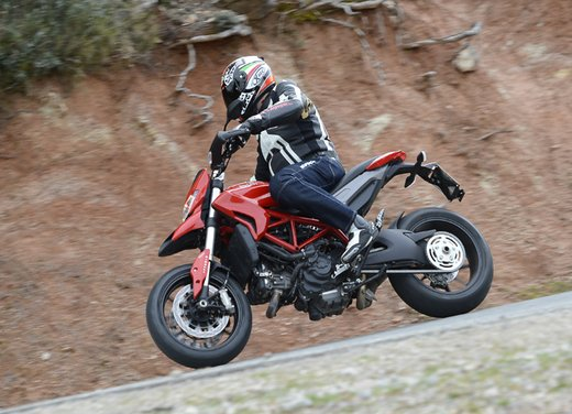 Nuova Ducati Hypermotard e Hypermotard SP prova su strada - Foto 10 di 35