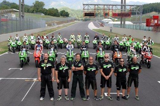 Kawasaki presenta al Motor Bike Expo l'intera gamma 2013, dalla nuova Z800 alle Ninja 636/300 - Foto 5 di 5