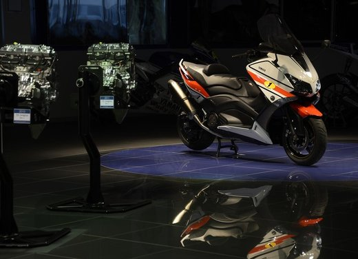 Yamaha TMax 530 versione Giacomo Agostini - Foto 24 di 39